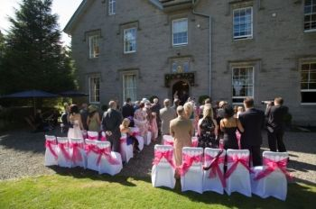 Beautiful luxury self-catering wedding venues with grounds
